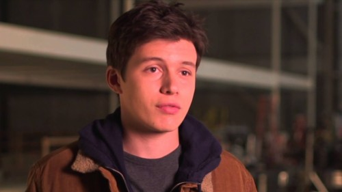 The 5th Wave Hd Screencaps 5th Wave Nick Robinson