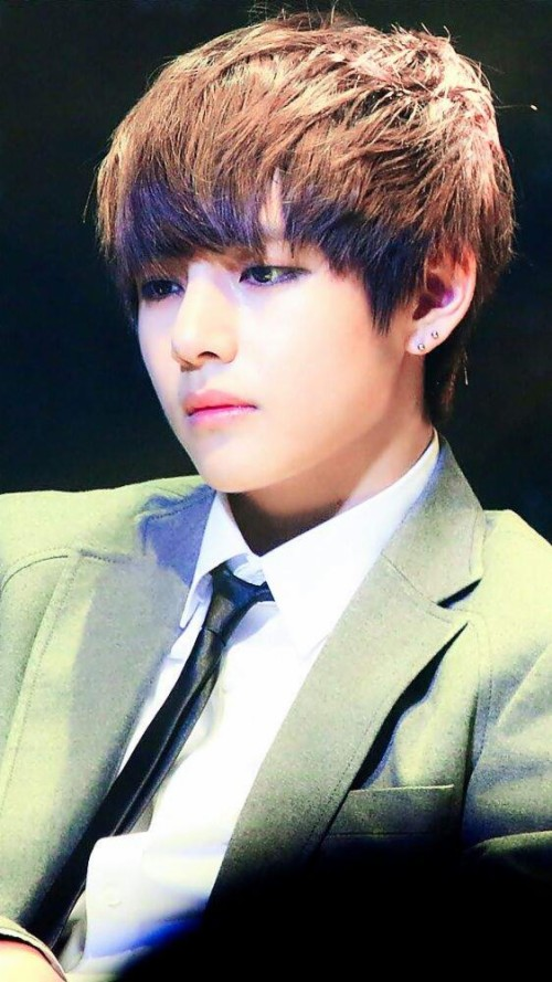 Bts V Wallpaper Kim Taehyung 23218 Hd Wallpaper