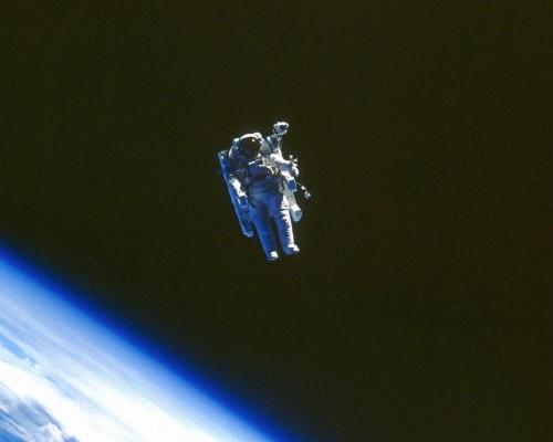 Wallpaper Astronaut In Open Space Astronaut Open Space